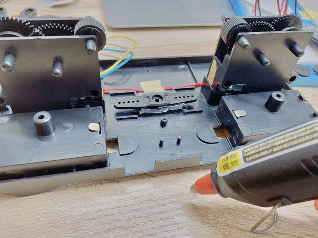 サーボモータの道具固定